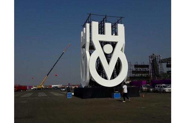 Amazing Productions on Stage...Trussings .... Roof Top trussings By Effects Tech for EVC @ Aamby Val