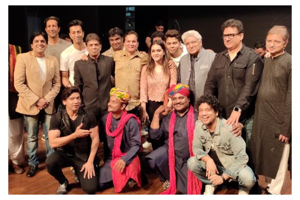 Host & Mimicry Artist Sandeep Lokhande shares the stage with eminent personalities