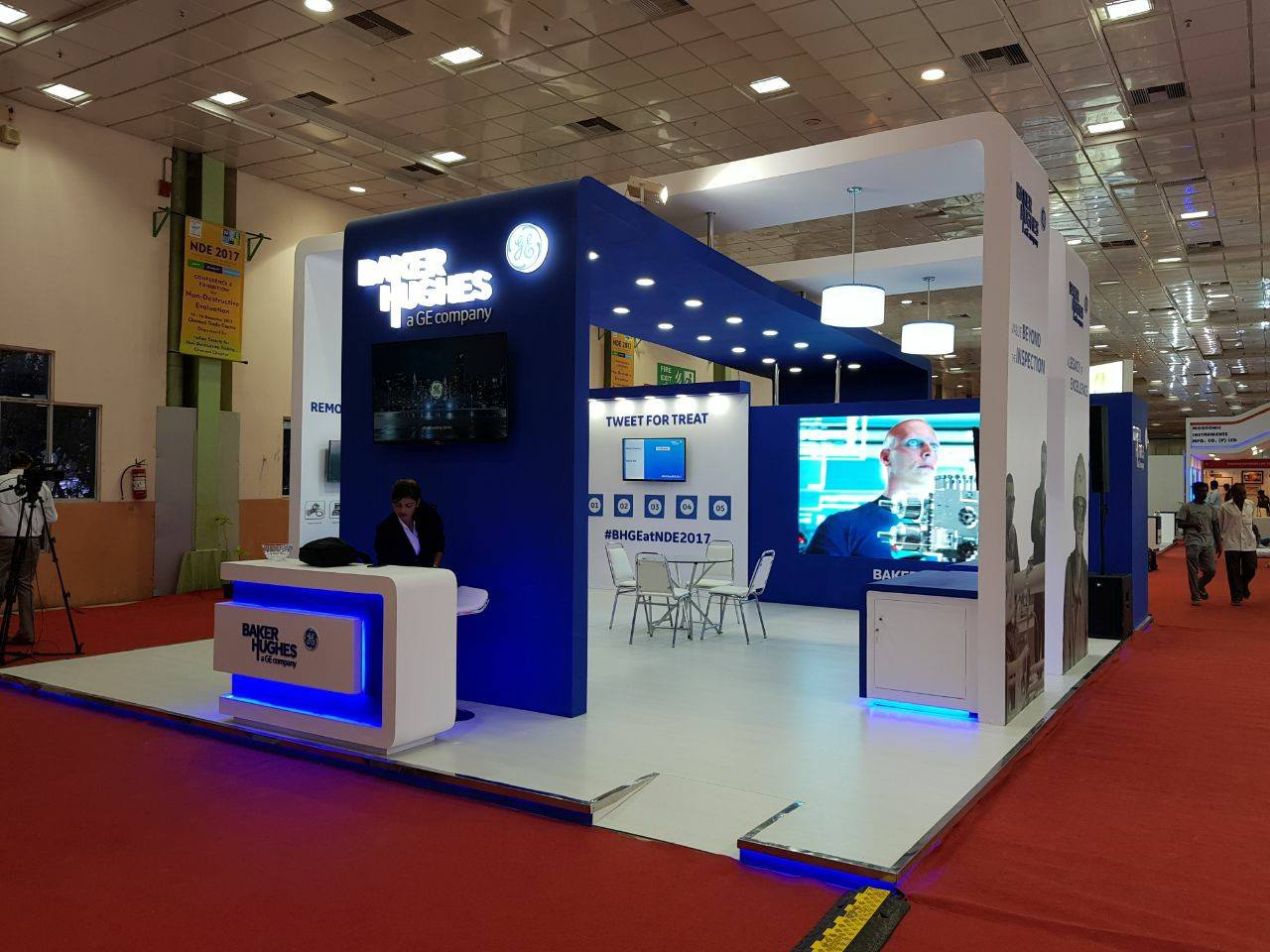 Exhibition Stand Assistant : Thinkxq manages baker hughes s presence at nde