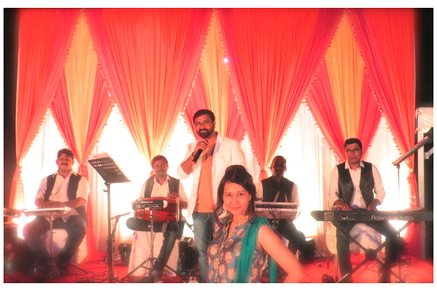 Performing at a Destination Wedding, Mehandi Ceremony musical evening at The Lalit Intercontinental, Goa