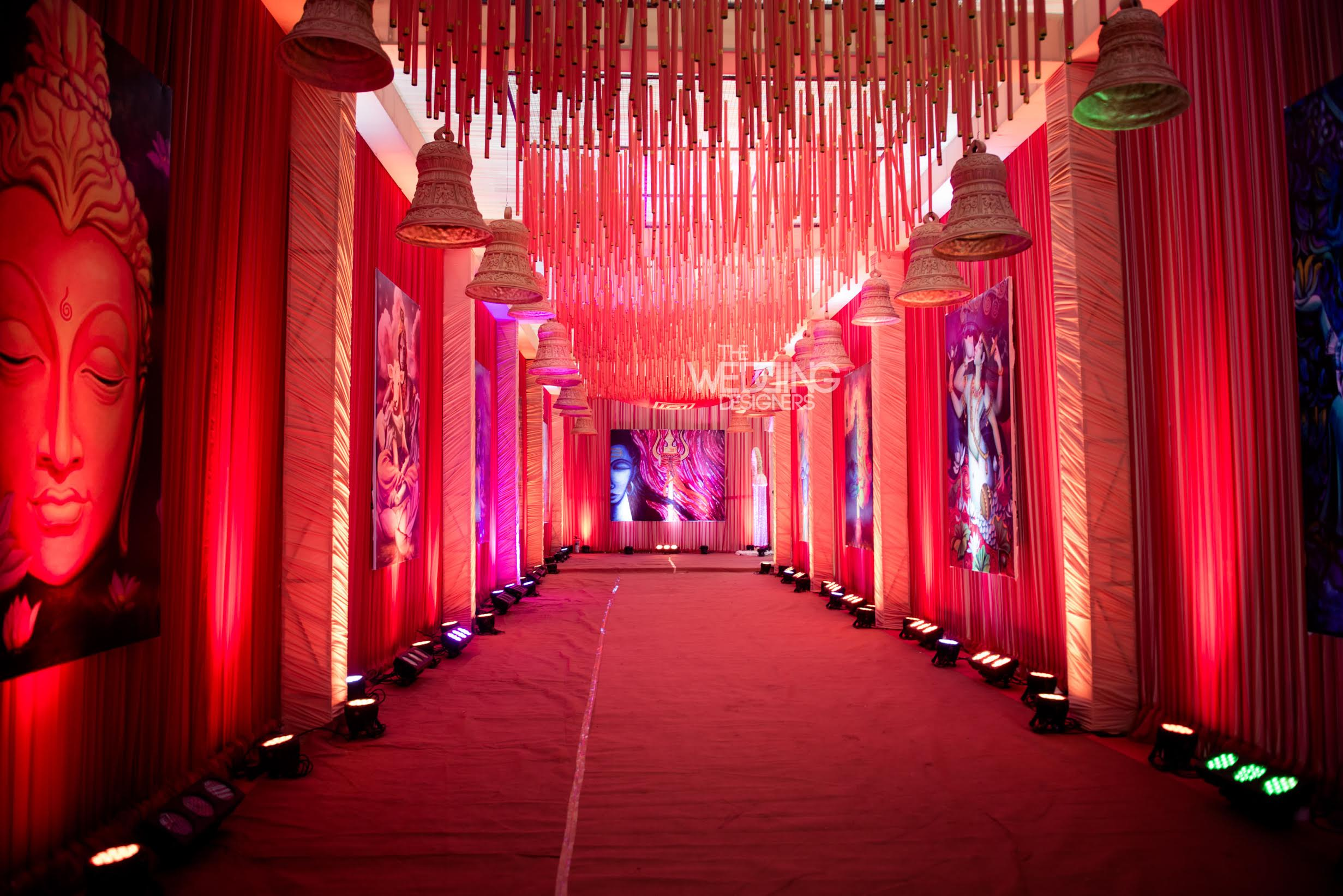 Very vedic a temple inspired mumbai wedding by the wedding very vedic a temple inspired mumbai wedding by the wedding designers junglespirit Gallery