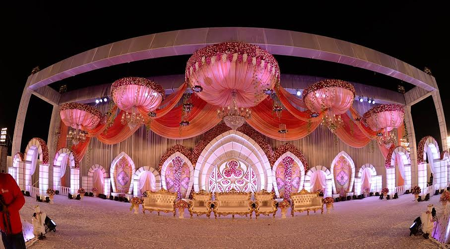 Raipur nuptials by var vadhu sees surreal wedding a cricket match the responsibilities of the agency included planning management and dcor junglespirit Choice Image