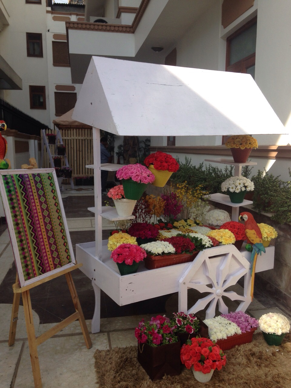A european kick start to a delhi wedding by abhinav bhagat for Decor international delhi