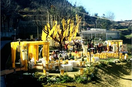 A Mussoorie Wedding by Panchhi Events Combines Western and Indian Style Ceremonies