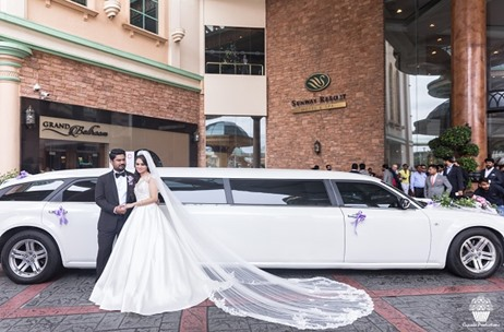 Cineyug Celebrations Make This White Wedding in Malaysia Speak Luxury and Flamboyance