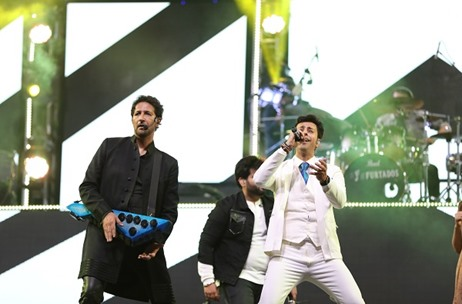 9XM On Stage with Salim Sulaiman - A tribute to the Indian Armed Forces