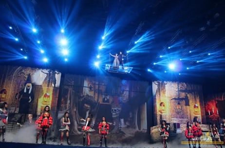 Natura's aerial acts sensationalize Star Parivaar Awards 2015