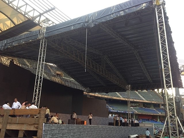 Effects Tech crafts rock solid waterproof roof for Maharashtra CM swearing in ceremony