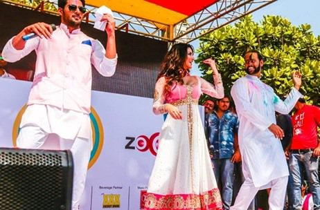 Sunny Leone and other stars celebrate Holi with Zoom TV