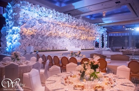 UAE-based The Wedding Venue Creates a 3-D effect Backdrop for an Arab Wedding