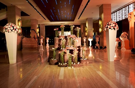 Plush Weddings Creates A Fusion Theme for Gurgaon Wedding