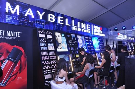 Vibgyor Brand Services creates Maybelline Lounge at AIFW S/S'16