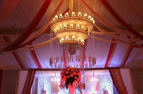 An Ivory Gold Delhi Wedding With Highlights Of Red by Elusive Dreams at Amaanta, Delhi