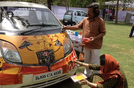 Kokuyo Camlin Celebrates World Art Day By Enabling Artists To Show Their Creativity On Automobiles
