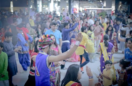 Senses Creations Kicks Off Dussehra Festivities in Bengaluru with 'The Neighbourhood Dandiya 2017'