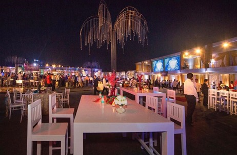 Q Events Transforms Gigantic Venue Into an Exquisite White Reception, Overnight