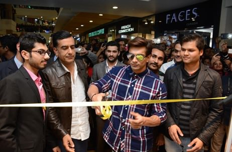 Forever 21 Pacific Store Re-Launched With A Makeover; Ropes in Karan Singh Grover