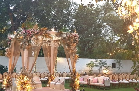 Wedding Duo Creates a Gorgeous Set-up for this Wedding in DLF Chattarpur, New Delhi