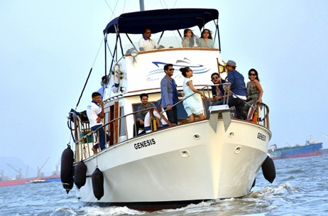 Experience #Luxelife Aboard Ocean Luxe LLP's Yacht Launch