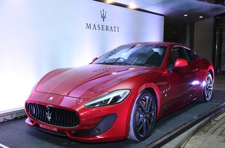 BBC TopGear Associates with The World Towers to Showcase the First Maserati Ghibli