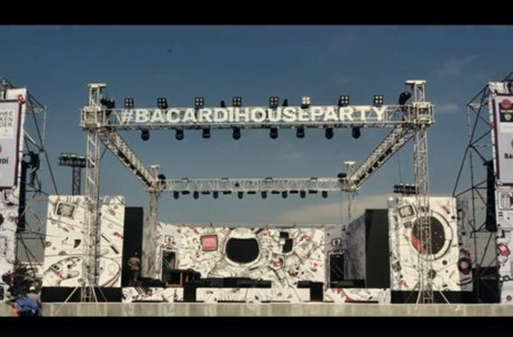WATCH VIDEO: Bacardi NH7 Weekender Pune Video Gives A Glimpse of the Best of the Festival