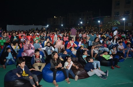 Rustomjee Urbania Hosts the First Ever Open Air Movie Screening in Thane