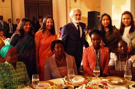FDCI presents 'Threads of Banaras' at India-Africa Forum Summit 2015