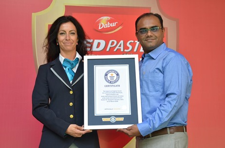 Jagran Solutions Helps Dabur Red Paste Create Guinness Record for 'Largest Oral Hygiene Session'