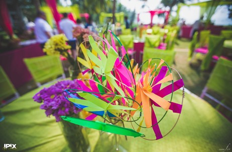 PAPER PINWHEELS: One of The Most Popular Props This Season!
