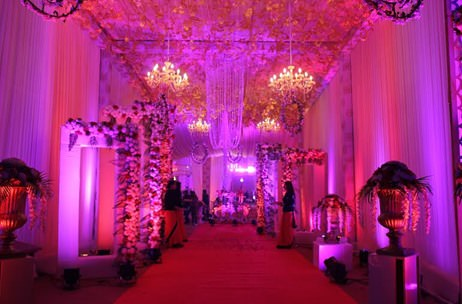 Elusive Dreams' Concept For Ceiling Décor To Preserve Moving Space At Delhi Pre-Wedding!