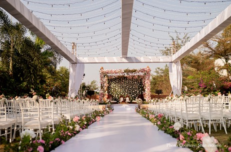 A Spectacular Wedding in Goa by Vogue Luxury Weddings at DoubleTree by Hilton