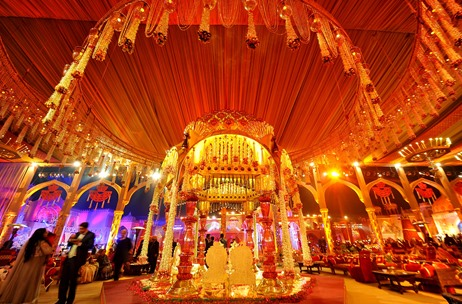 MEMORABLE MANDAPS: Steal One of These Vedi Ideas For Your Next Wedding!