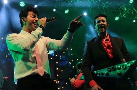 Salim-Sulaiman Sizzle Retro Sangeet in Surat by Fab Events; Stunning Decor by Q Events!