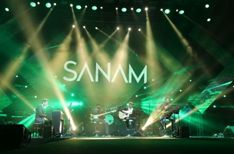 Sanam Live's Debut Performance In Dubai Left the Crowd Delighted
