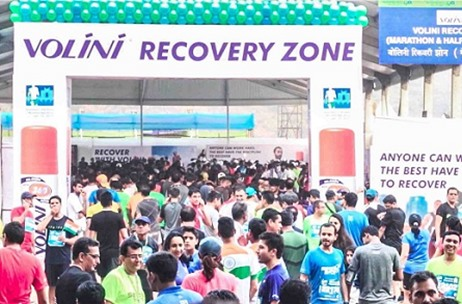 200 Volini Experts Help Over 13,000 Runners Recoup at Standard Chartered Mumbai Marathon 2017