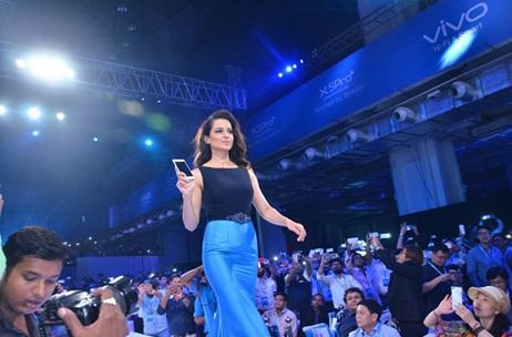 Kangana Ranaut launches the Vivo X5Pro for 2000 trade partners