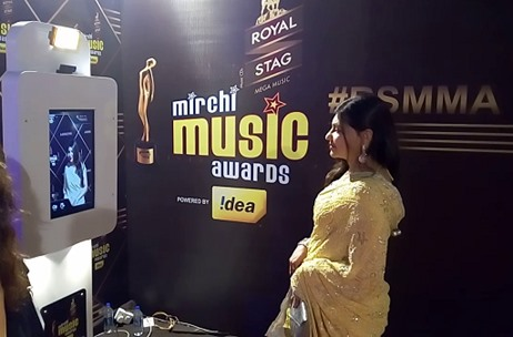 Synergy Integrated MarCom Installs Selfie Pod for the Stars at Royal Stag Mirchi Music Awards '16