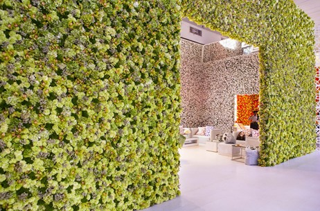 Flower Walls: The New Rage At Social Events & Weddings!