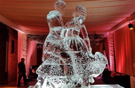 Romantic Engagement By Q Events by Geeta Samuel Sees Ice Sculptures & Pastel Hues
