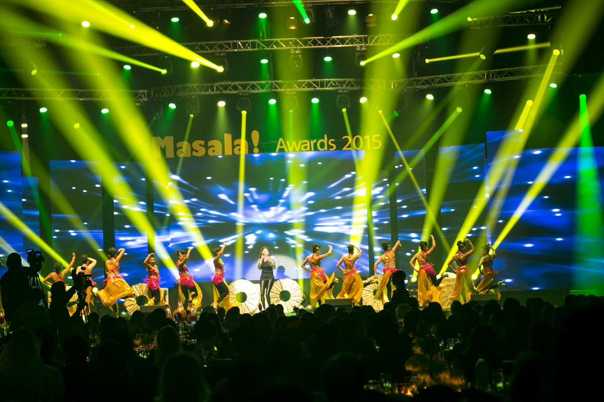 New BMW 7 Series Unveiled at Masala! Awards 2015 in Dubai; Sonakshi Sinha, Vir Das Perform LIVE