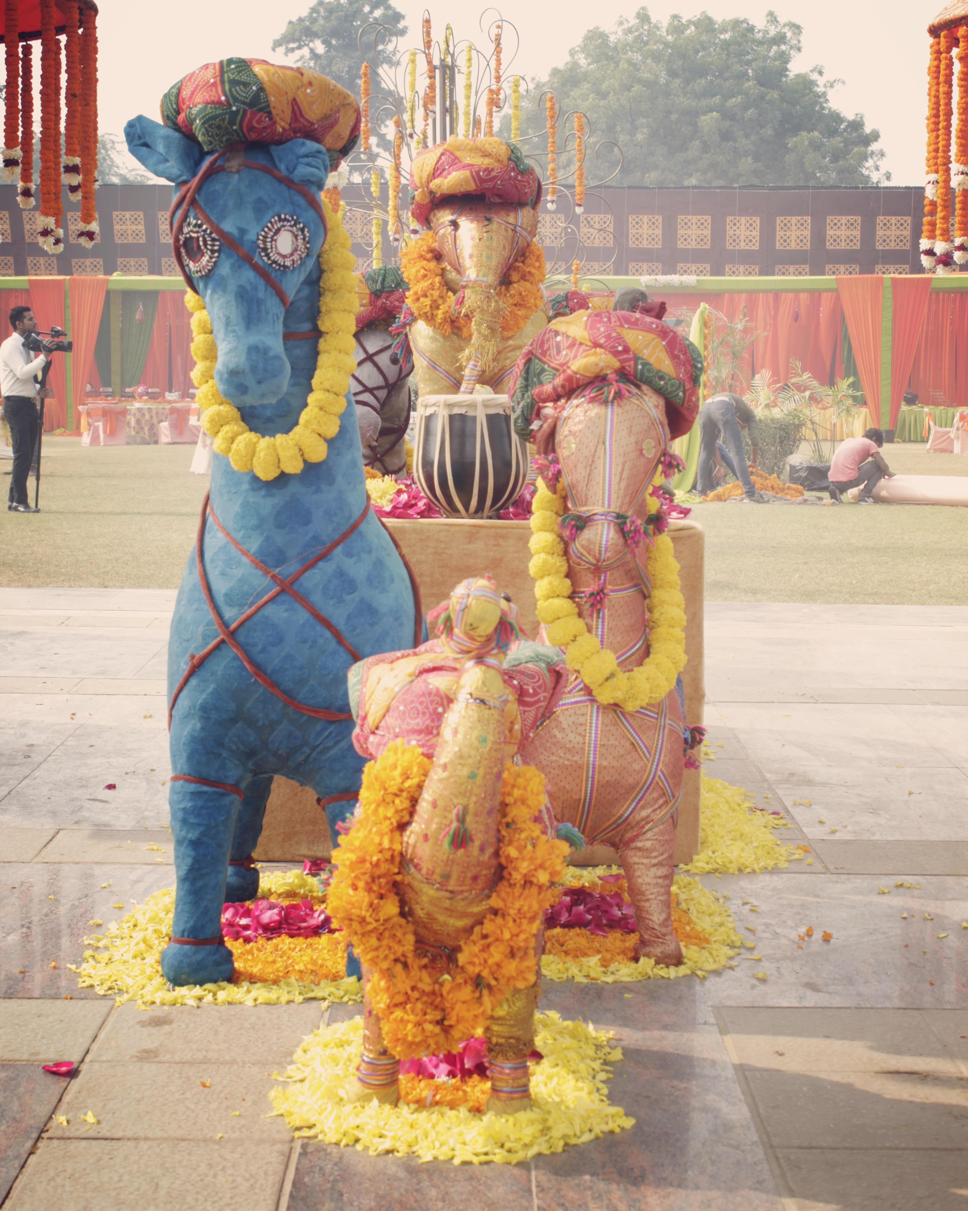 Delhi Mehendi by Elusive Dreams Features Unique Props, 4 Photo Ops, Lots Of Signage & More!
