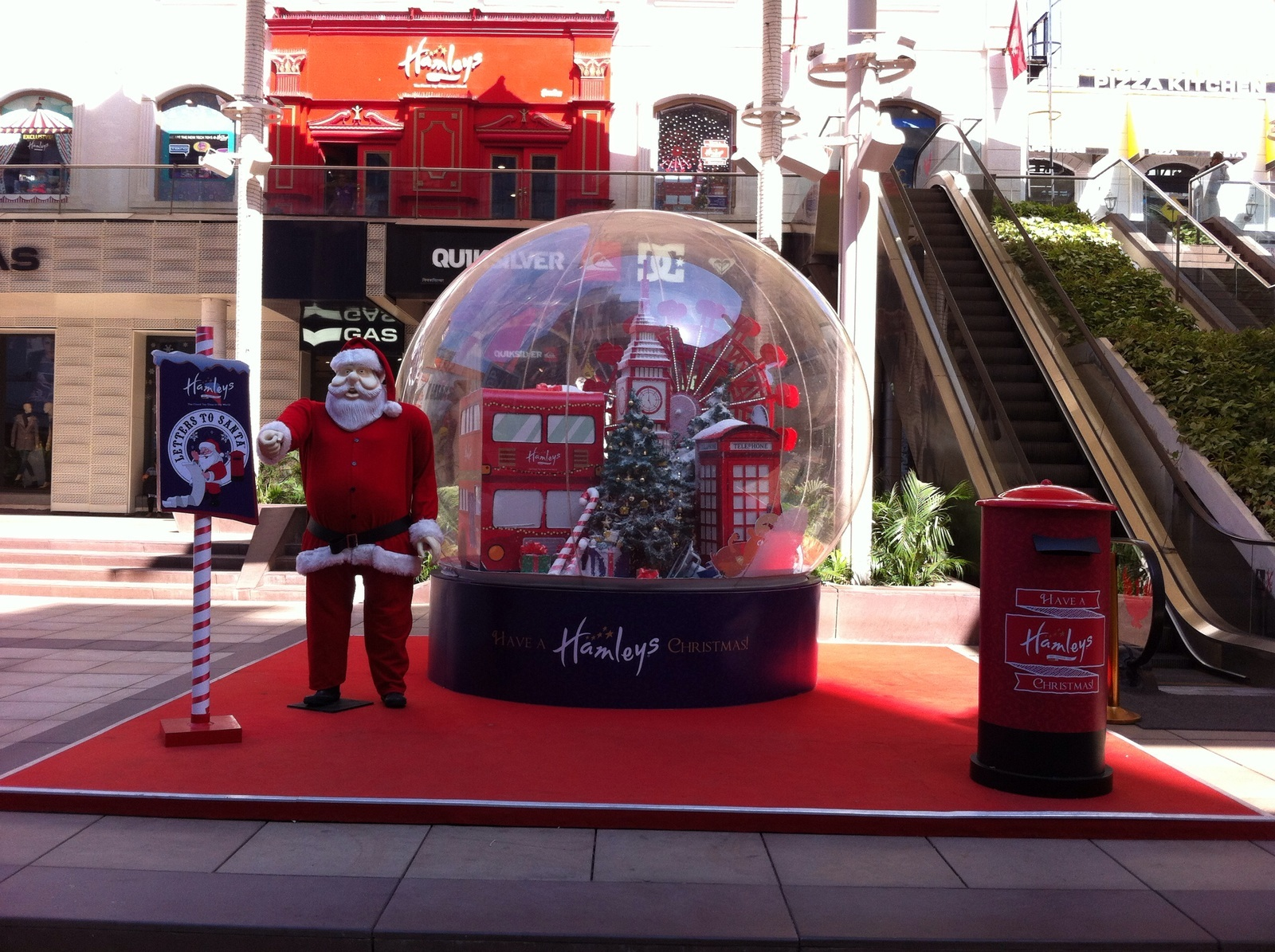 Hamleys Goes All Out to Engage Customers During Christmas