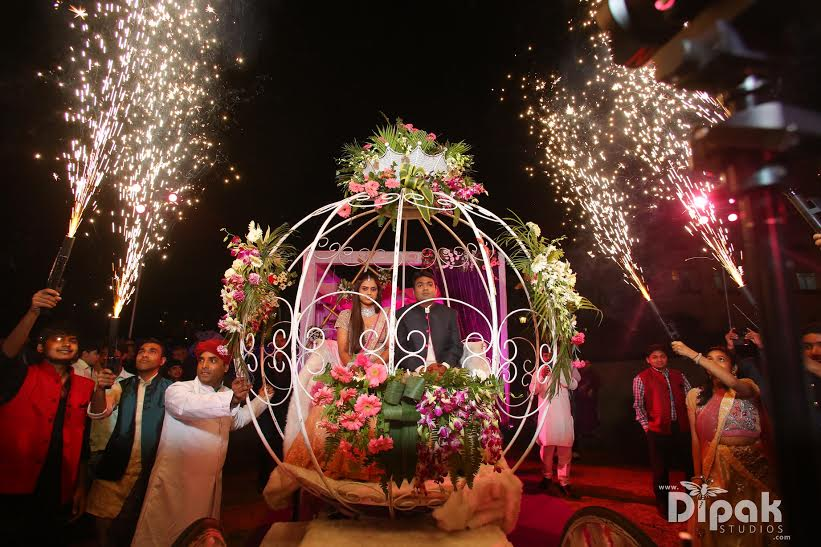An Amphitheater Wedding An Led Sangeet And More By Indian