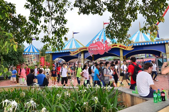 Adlabs Imagica hosts an outing for the 46th International Physics