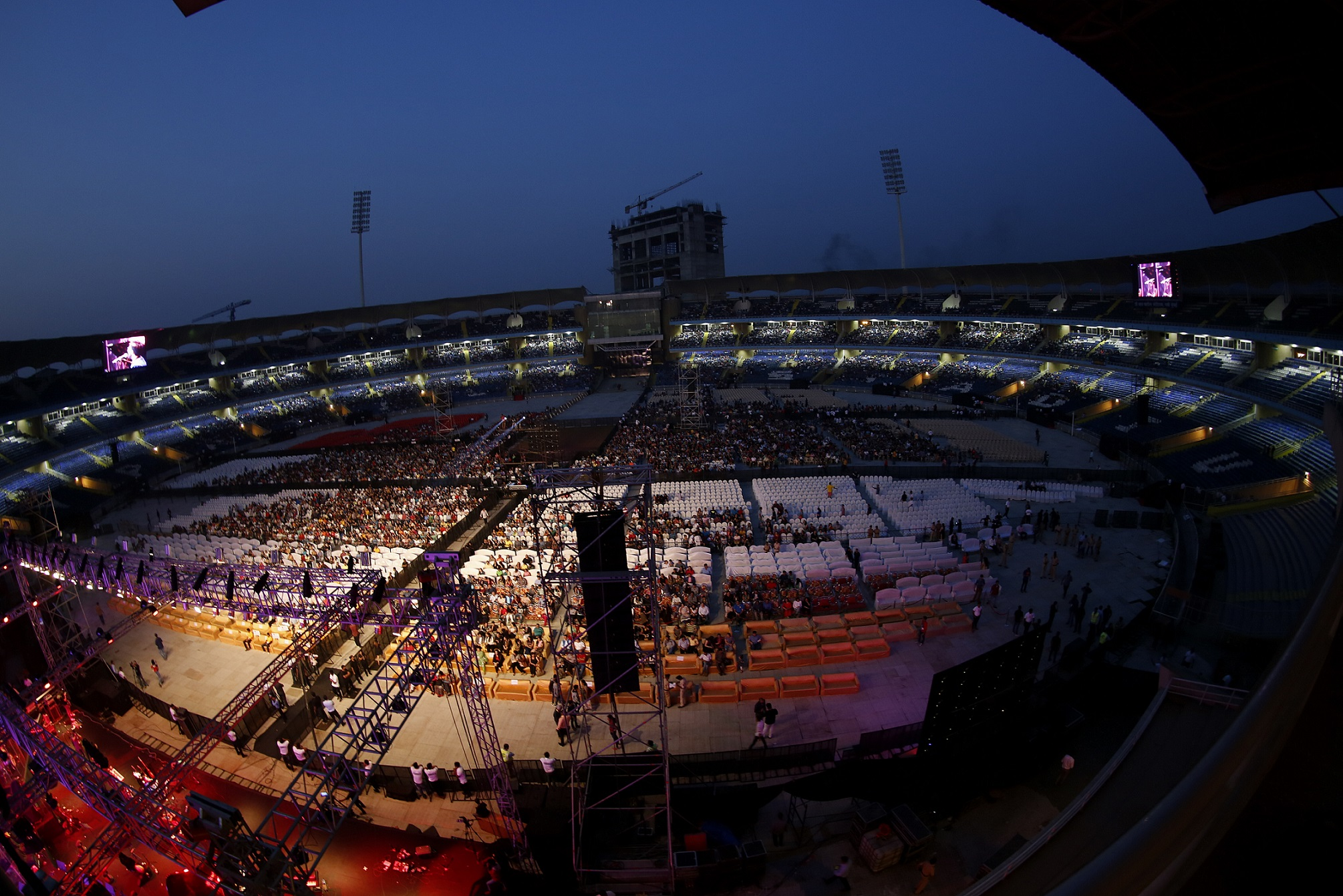 Arijit Singh LIVE with a 45 Piece Ensemble at DY Patil Stadium; Managed by T3