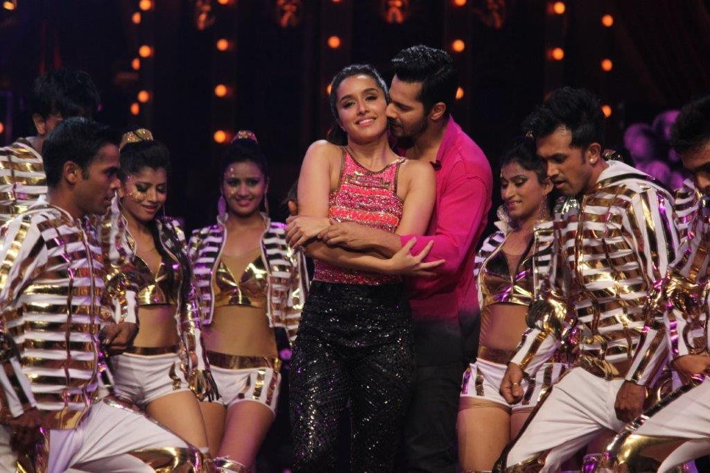 Cineyug Conceptualises and Produces Star Screen Awards 2015 with a Bollywood Mela Concept