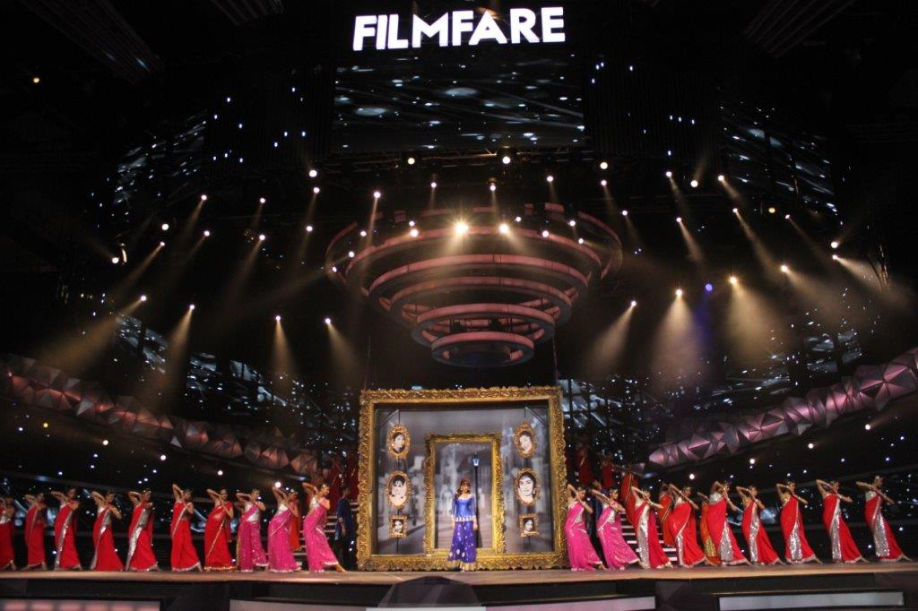 The 61st Filmfare Awards Made Open to the Public for the First Time; Show Managed by Cineyug