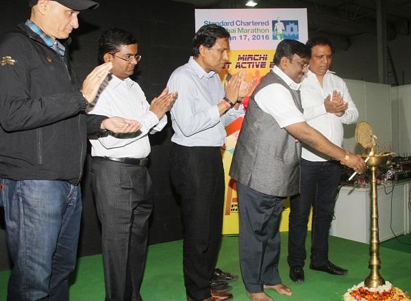Mirchi Get Active Expo Preludes Standard Chartered Mumbai Marathon 2016