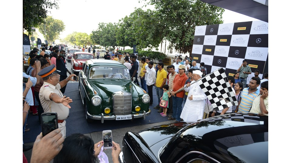 Up On The Stage Manages the 3rd Edition of Mercedes Classic Car Rally 2016 in Mumbai