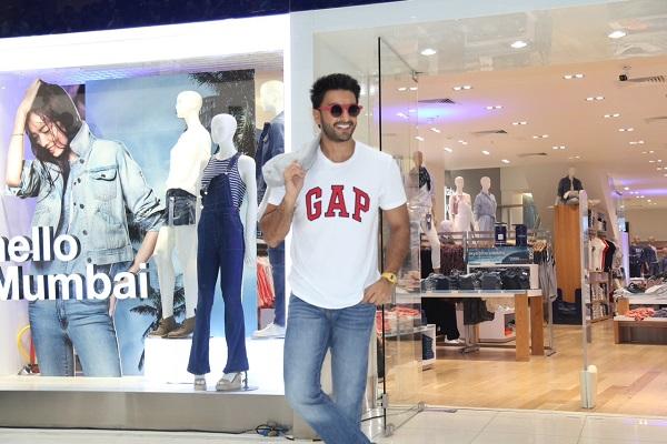 Gap Clothing Store In Mumbai